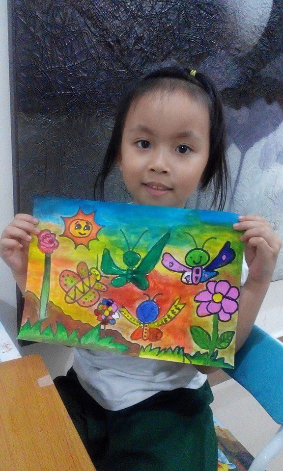 bé 4 tuổi học vẽ