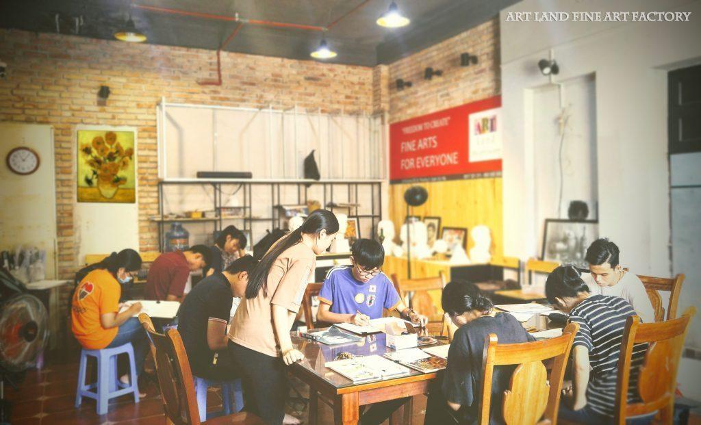 Lớp vẽ Luyện Thi Kiến Trúc Art Land Quận Gò Vấp