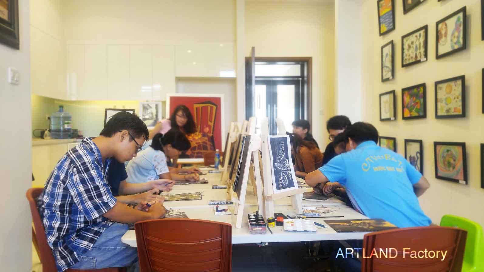 Workshop-tranh-khac-go  LỚP HỌC VẼ CHO NGƯỜI ĐI LÀM Workshop tranh khac go