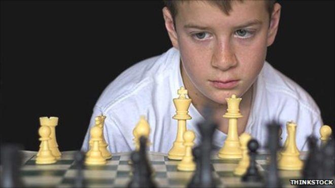 Cờ vua và những bài học  Trẻ em học được gì thông qua cờ vua? 52331452 boy
