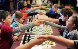 Tinh thần thượng võ  Có phải trẻ em nào cũng có thể chơi cờ vua? chess team 1 1532343981 6169 300x192  ART LAND Quận Bình Thạnh chess team 1 1532343981 6169 300x192