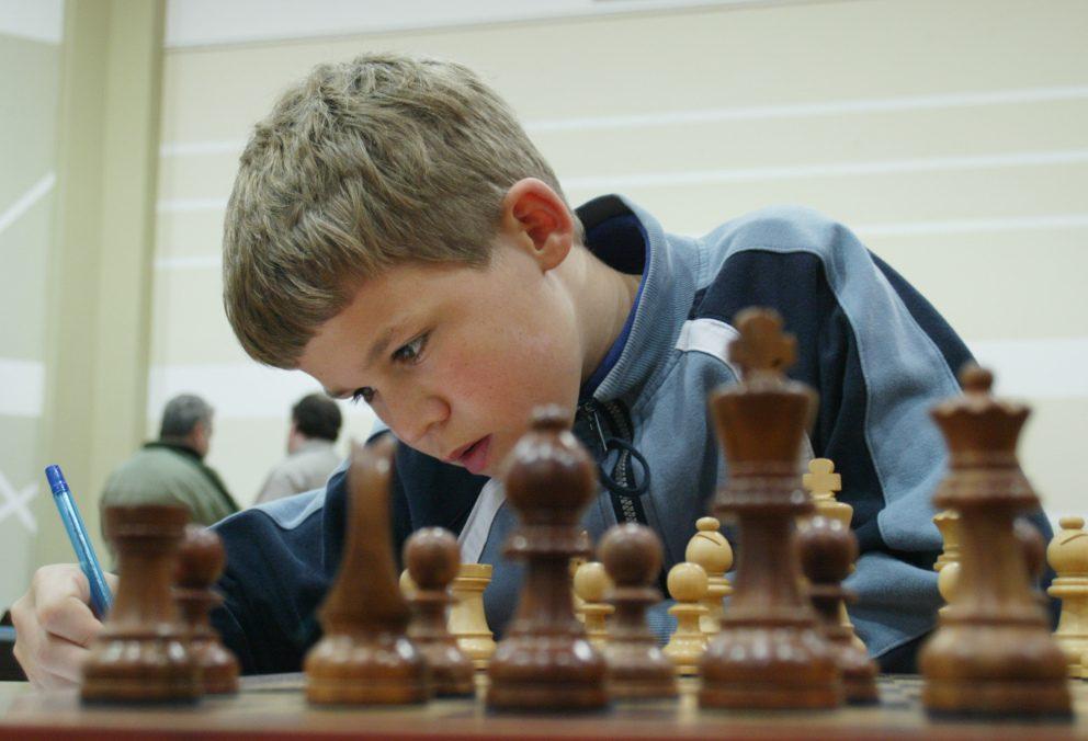 cờ vua trẻ em  Cờ vua có ích cho việc học của trẻ như thế nào? magnus carlsen fue un nino prodigio del ajedrez 1